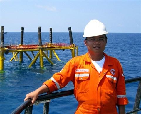 Petrole : des jeunes ingenieurs et leurs initiatives hinh anh 1