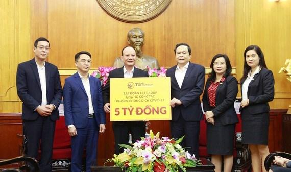 Covid-19 et secheresse: plus de 34 milliards de dongs mobilises a Ho Chi Minh-Ville hinh anh 1