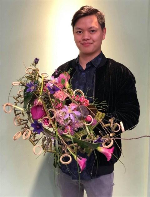 Ha Minh Khoi, jeune maitre en art floral hinh anh 1