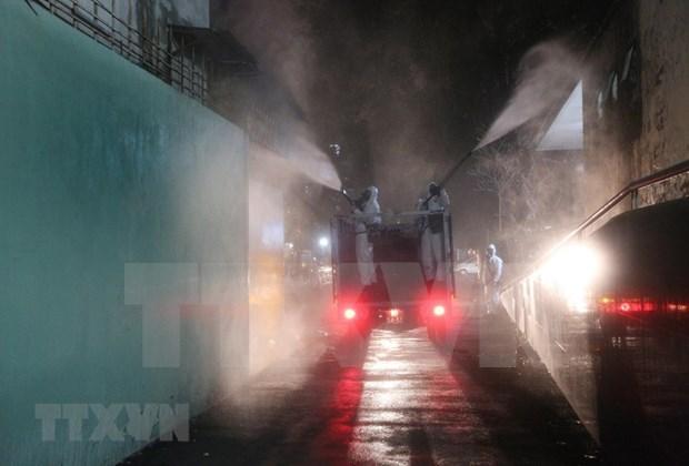 Hanoi prend des mesures drastiques pour freiner la propagation du COVID-19 hinh anh 1