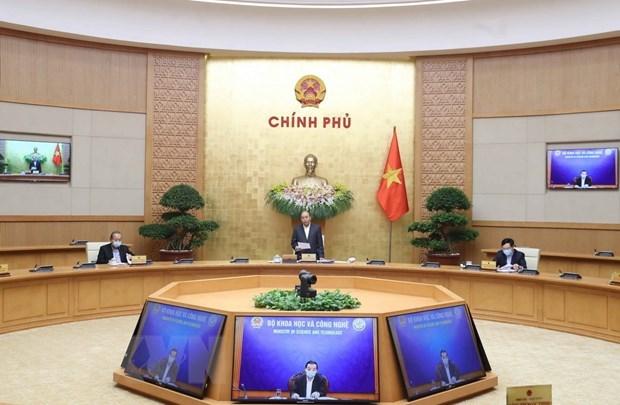 Le PM Nguyen Xuan Phuc: conjuguer d'efforts pour eviter la chute de l'economie nationale hinh anh 1
