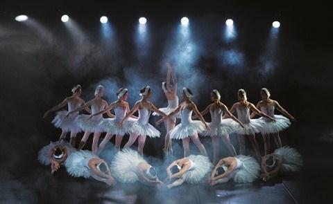 """L'Opera-Ballet national du Vietnam renoue avec la magie du """"Lac des cygnes"""" hinh anh 3"""