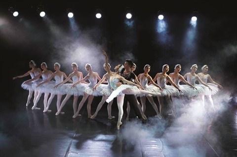 """L'Opera-Ballet national du Vietnam renoue avec la magie du """"Lac des cygnes"""" hinh anh 2"""