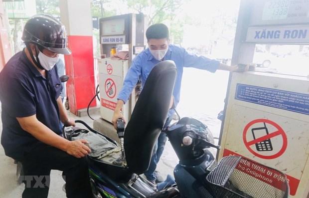Le Vietnam a un stock de petrole et d'essence eleve hinh anh 1