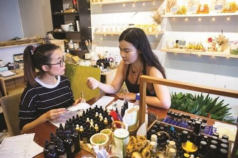 Iris Nguyen se met au parfum hinh anh 1