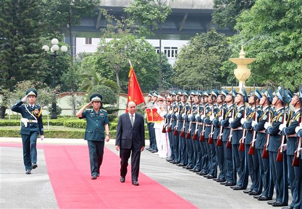 Le Premier ministre travaille avec le commandement de l'armee de l'air hinh anh 1