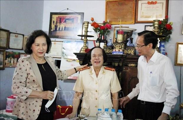 La presidente de l'AN rend visite aux meres heroiques a Ho Chi Minh-Ville hinh anh 1