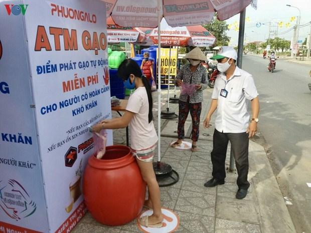 Contre le coronavirus, place aux distributeurs automatiques de riz hinh anh 1