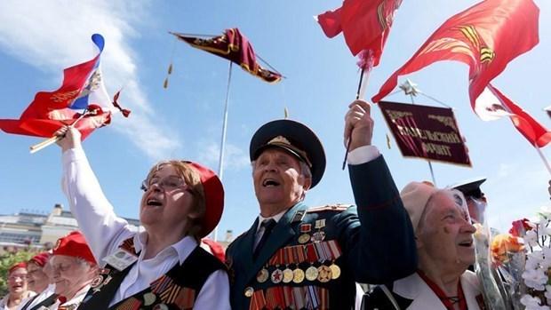 Les dirigeants vietnamiens felicitent leurs homologues russes pour le jour de la victoire hinh anh 1