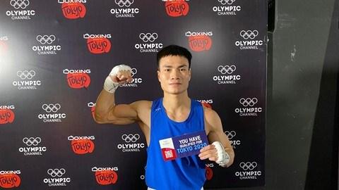 Un boxeur vietnamien se qualifie pour les JO de Tokyo hinh anh 1