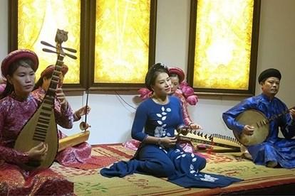 Integration du chant de Hue dans l'enseignement scolaire hinh anh 1
