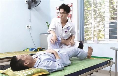 Un docteur japonais au chevet des patients paralyses hinh anh 2