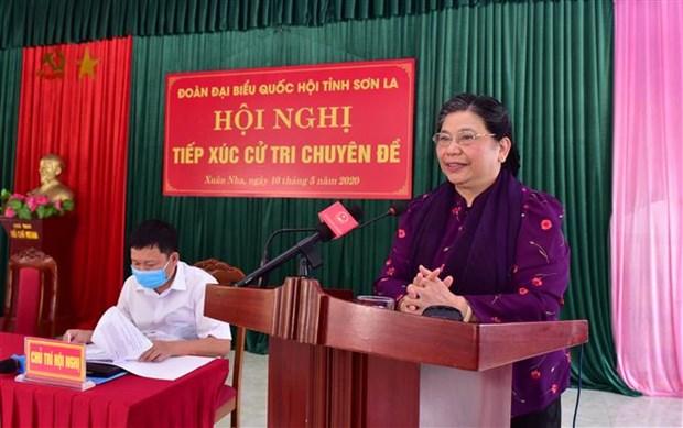 La vice-presidente de l'Assemblee nationale a l'ecoute des electeurs de Son La hinh anh 1