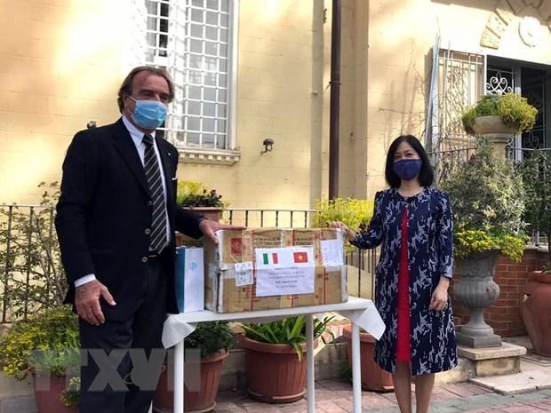 Le Vietnam s'associe a l'Italie pour lutter contre le COVID-19 hinh anh 1