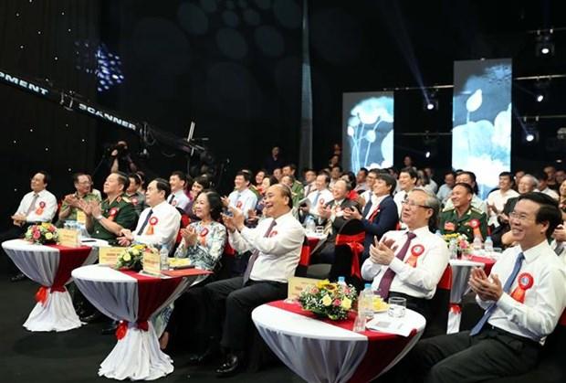 Le PM demande de se modeler sur l'Oncle Ho pour rendre le pays puissant hinh anh 2