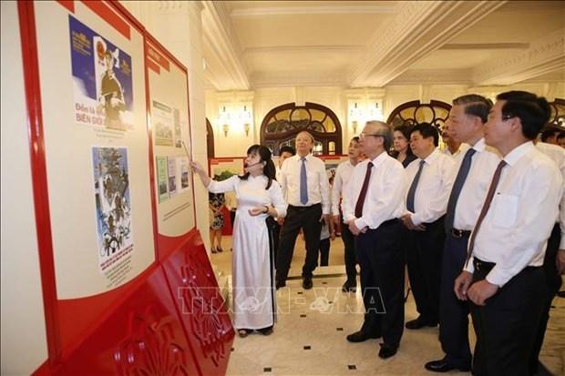 Remise des prix d'ecriture sur l'exemple moral du president Ho Chi Minh hinh anh 1