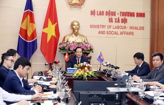 Les ministres de l'ASEAN discutent des effets du COVID-19 sur le travail et l'emploi hinh anh 1