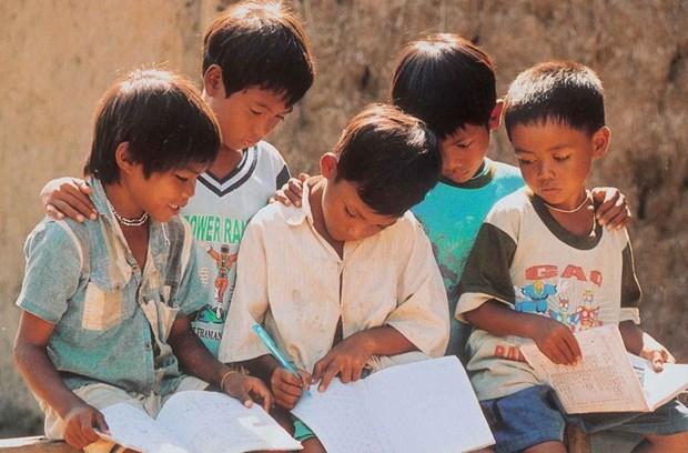 Soutien aux enfants demunis de la region du Centre hinh anh 1
