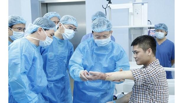 Le Vietnam reussit la premiere greffe de l'avant-bras a partir d'un donneur vivant hinh anh 2