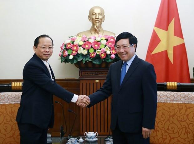 Le vice-Premier ministre Pham Binh Minh recoit le nouvel ambassadeur du Cambodge hinh anh 1