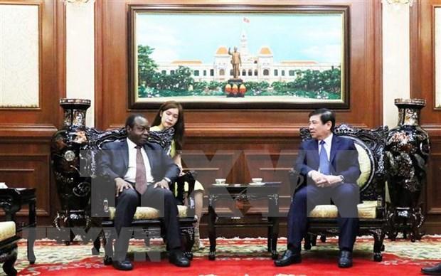 Ho Chi Minh-Ville prete a renforcer ses relations avec l'Angola et l'Armenie hinh anh 1
