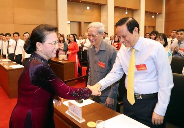 La presidente de l'AN rencontre des journalistes exemplaires hinh anh 1