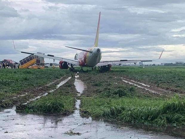 De nombreux vols affectes apres la sortie de piste d'un avion de Vietjet Air hinh anh 1