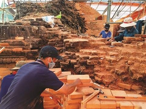 A My Son, des paysans attaches a la restauration du patrimoine hinh anh 2