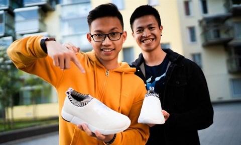 Deux jeunes Vietnamiens en Finlande et leur marque Rens hinh anh 1