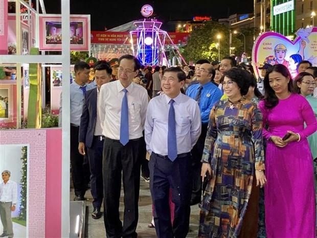 Diverses activites commemoratives de la prise du nom de Ho Chi Minh-Ville par Saigon-Gia Dinh hinh anh 1