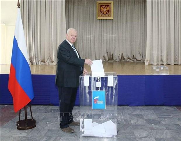 Les Russes au Vietnam votent sur des amendements a la Constitution hinh anh 1