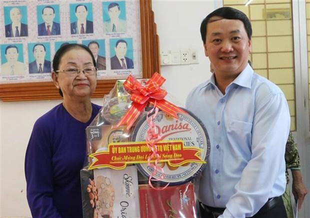 Felicitations aux bouddhistes de Hoa Hao hinh anh 1