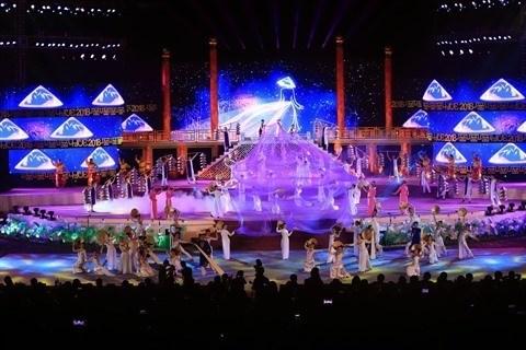 Thua Thien-Hue s'oriente vers les festivals des quatre saisons hinh anh 1