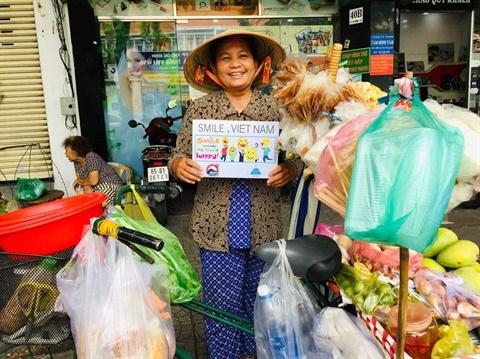 """""""Faites rire le monde"""" : le defi lance par le photographe Ba Han hinh anh 1"""