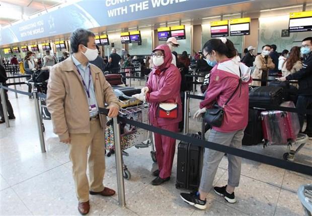 Vietnam Airlines rapatrie plus de 340 Vietnamiens du Royaume-Uni hinh anh 1