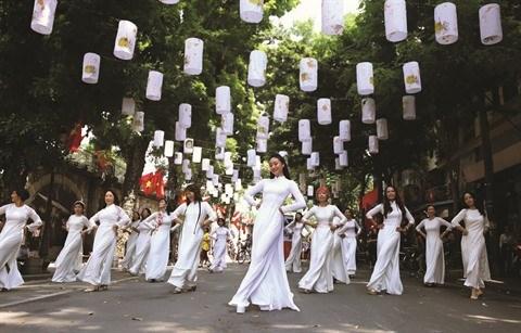 L'ao dai au coeur de la culture vietnamienne hinh anh 1