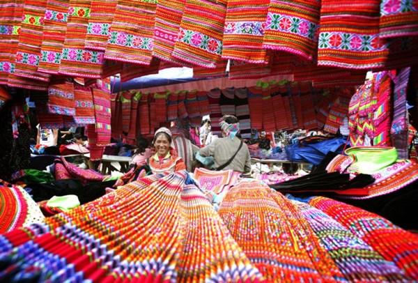 Le marche de Bac Ha, une originalite culturelle du Nord-Ouest hinh anh 1