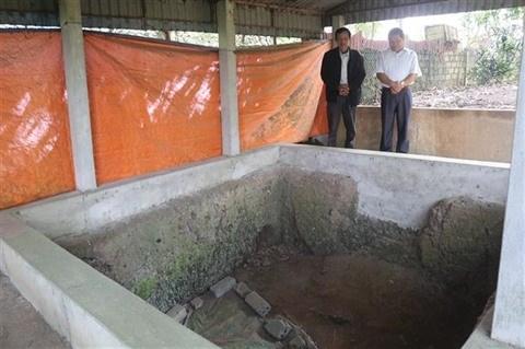 Le site archeologique de Xom Ren fragilise par le manque de fonds hinh anh 2