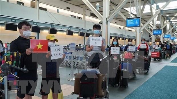 COVID-19: rapatriement de 313 Vietnamiens de la Republique de Coree hinh anh 1
