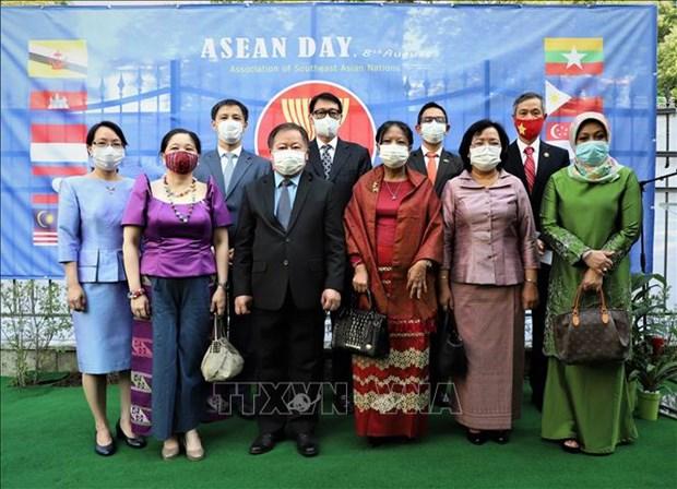 Le diplomate du Laos en Allemagne apprecie la solidarite de l'ASEAN hinh anh 1