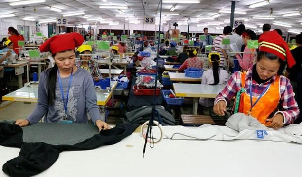 L'UE commence a retirer une partie des preferences tarifaires au Cambodge hinh anh 1