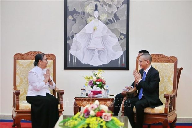 Le Cambodge rend hommage a l'ambassadeur du Vietnam hinh anh 1