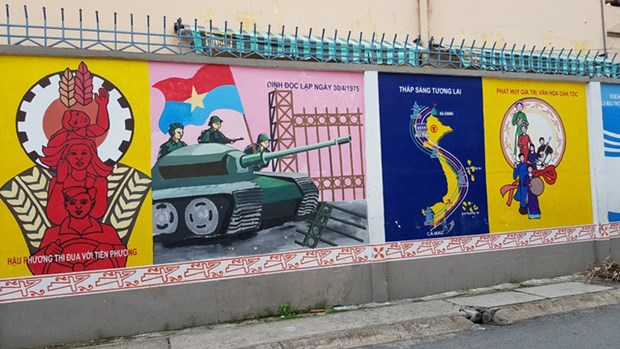Quand d'anciens soldats se passionnent pour les peintures murales hinh anh 1