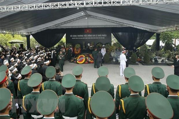 Le Vietnam rend un dernier hommage a l'ex-secretaire general Le Kha Phieu hinh anh 2