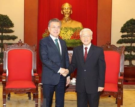 Le Vietnam felicite la Republique de Coree pour sa 75e Fete nationale hinh anh 1