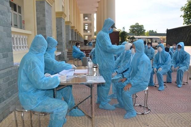 COVID-19 : le Vietnam signale 12 nouveaux cas lundi apres-midi hinh anh 1
