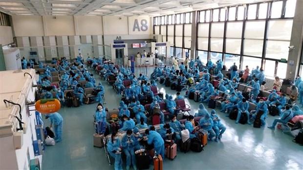 COVID-19 : plus de 290 Vietnamiens rapatries de Taiwan (Chine) hinh anh 1