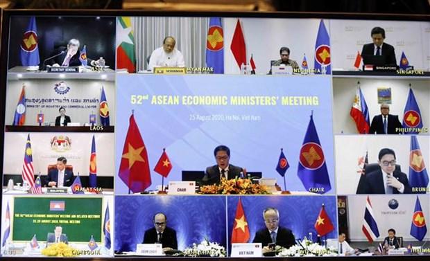 ASEAN : les ministres de l'Economie examinent la mise en oeuvre des initiatives economiques hinh anh 1