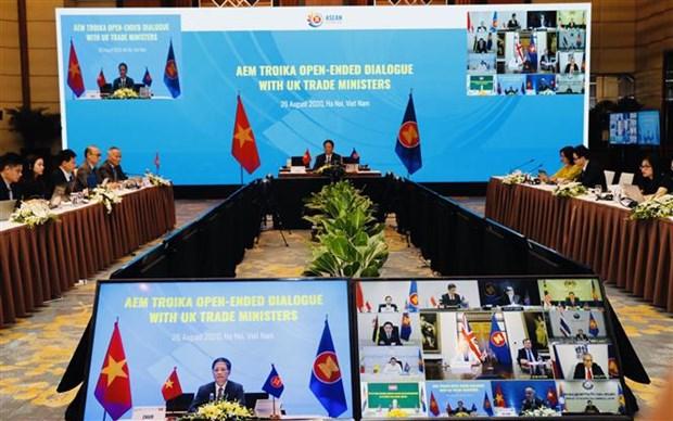 L'ASEAN et le Royaume-Uni tiennent un dialogue economique en ligne hinh anh 1