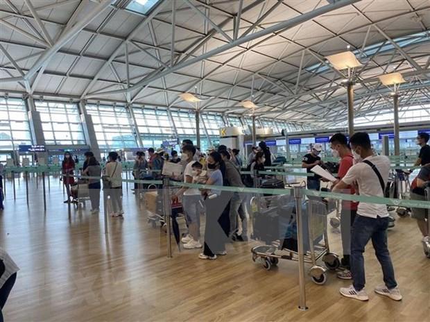 Rapatriement de plus de 340 citoyens vietnamiens de Macao (Chine) hinh anh 1